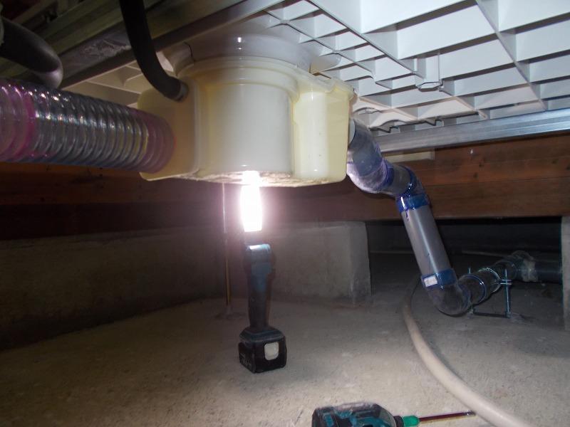 画像:施工中 排水確認中