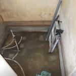 施工中 浴槽・床・天井・壁パネル撤去後