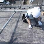 施工中 タスペーサー工法による縁切り作業中