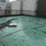 施行中 高圧洗浄後既存の伸縮目地を撤去