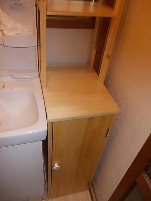 画像:特別サービス 新しい洗面台と合う棚がなかなか見つからないとのご相談で原寸サイズで棚を作成