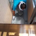 施行中 FRP防水トップコート剤塗布中